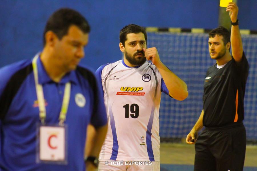 José Azevedo, do EC Pinheiros, um gol e um amarelo. (foto André Pereira / Tchê Esportes)