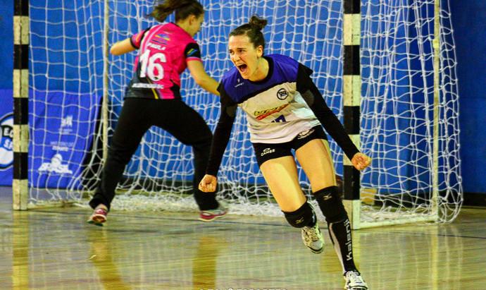 Pinheiros devolve derrota para Blumenau pela Liga Feminina