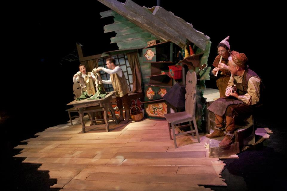 The Elves and the Shoemaker '12