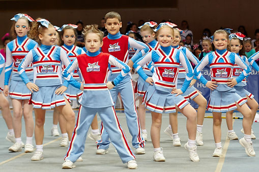 kids primary school cheerleading show