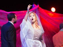 Mark Bonney & Isolde Roxby in 'Cendrillo