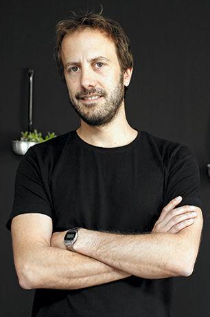 Carlos Pascal.jpg