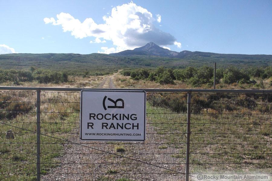 metal-ranch-gate-sign-a.jpg