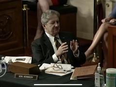 🎥 Senator Kennedy Absolutely Humiliates Fauci!