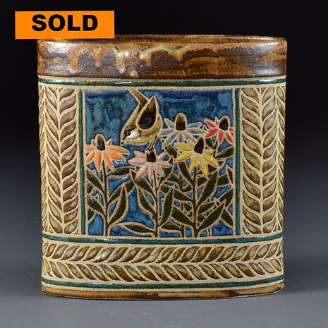Backyard Birds Oval Vase - Wren in Coneflowers