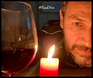 candela calice di vino atmosfera
