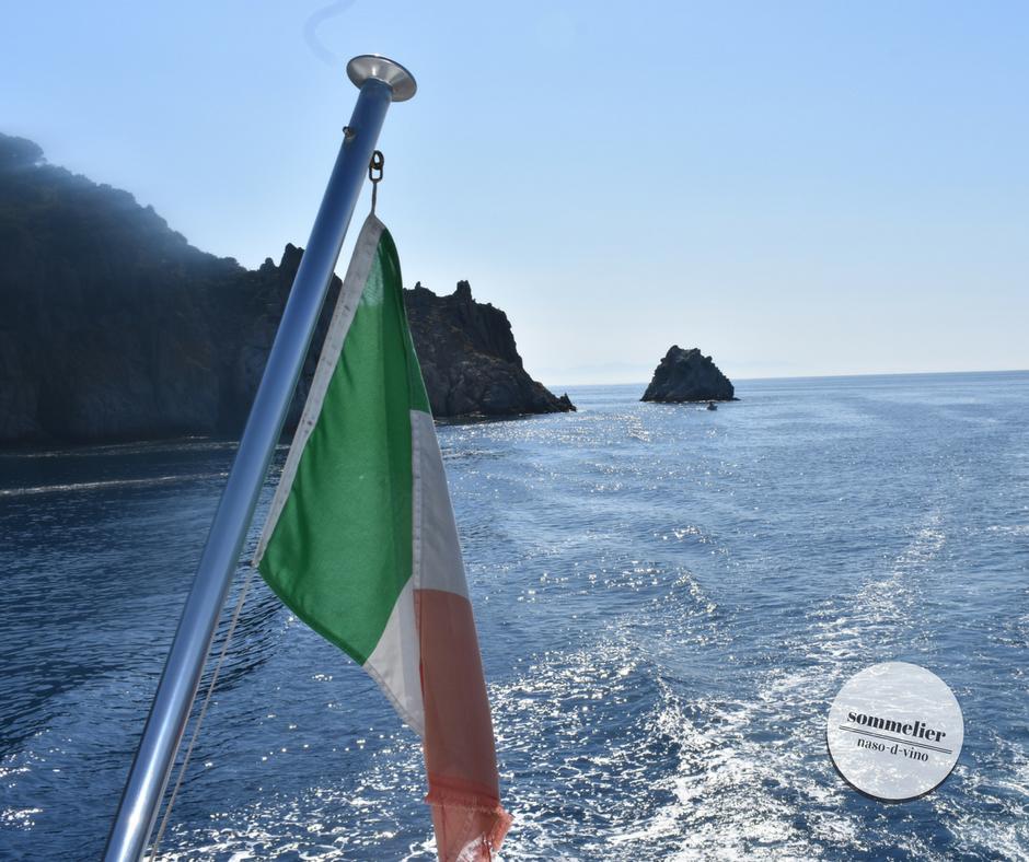 enoboat 2018 elba maggio  ais champagne e mare bandiera italia