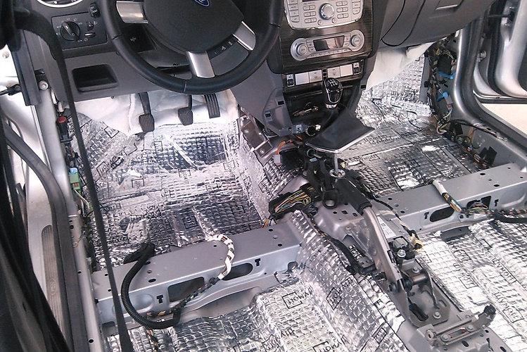 шумоизоляция-автомобиля-своими-руками.jp