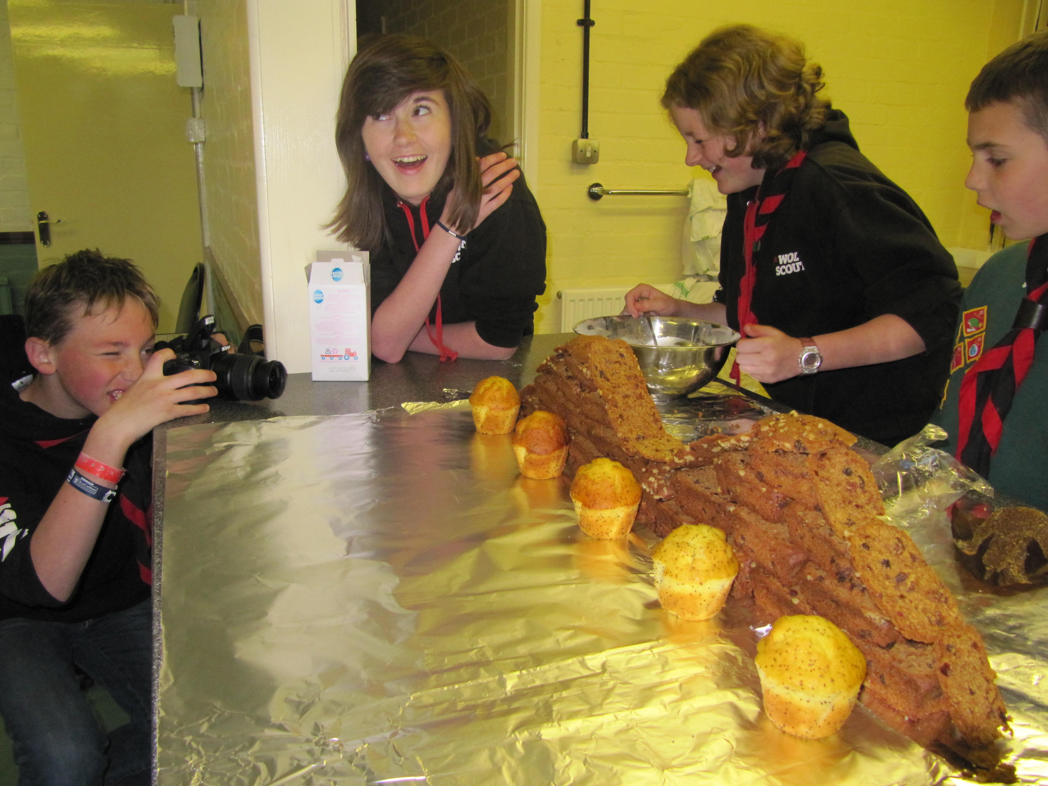 Wolvey Explorers, creating roller coaster cake animation