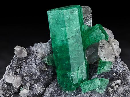 """Emerald: The """"Stone of Successful Love"""""""
