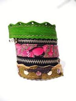 Taschen, Gürtel + Armbänder