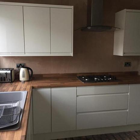 White Handleless Gloss Kitchen - Bury