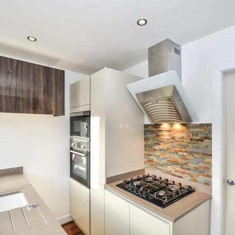 Gola True Handleless Kitchen - Blackburn