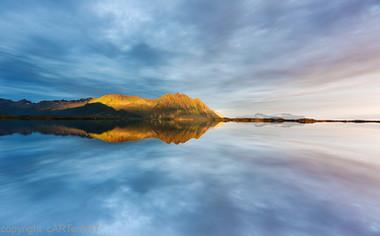 Austvågsøya Reflections