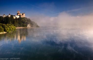 Dunajec Castle (Zamek Niedzica) Pieniny