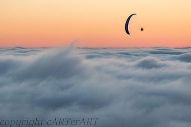 Paraglide over the Mist