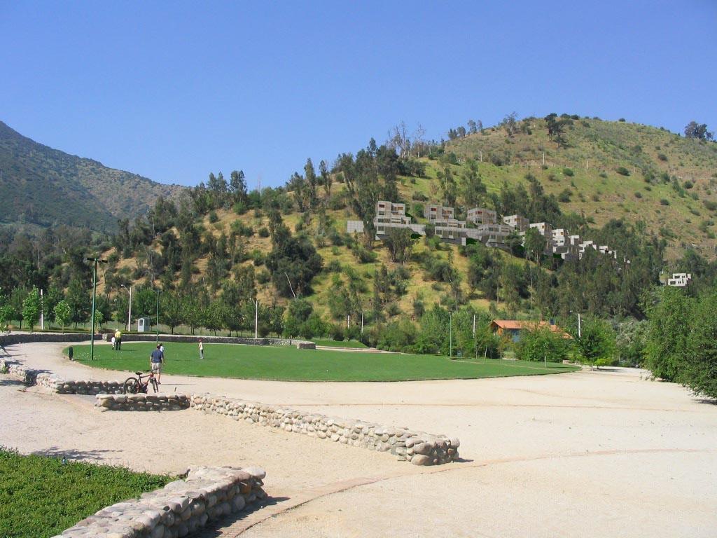 vista casas en cerro desde plaza