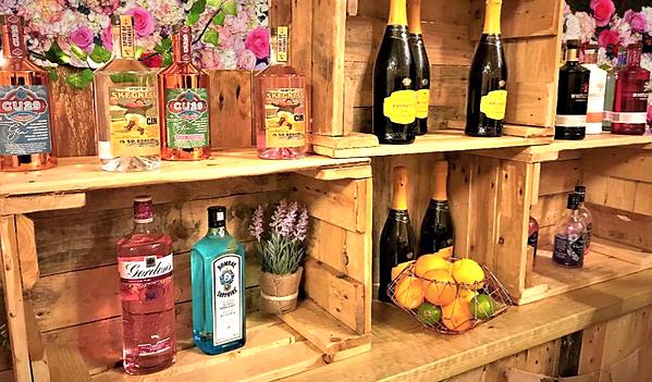 cocktail : wedding bar website flower bg