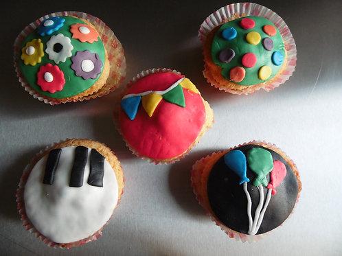 Verjaardagscupcakes - suikerpasta