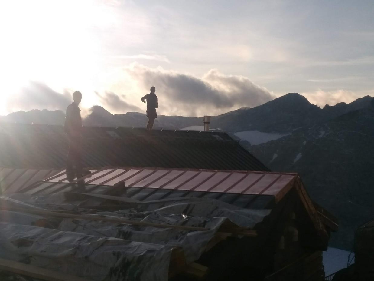 tramonto rifugio ai caduti dell'Adamello 3100 mt