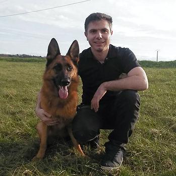 Votre éducateur comportementaliste canin basé en Indre-et-Loire, Brice et Nessy de SYNERGY DOG