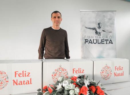 PAULETA ENTREGA CABAZES DE NATAL
