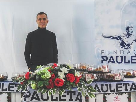 PAULETA ENTREGA 25 CABAZES DE NATAL
