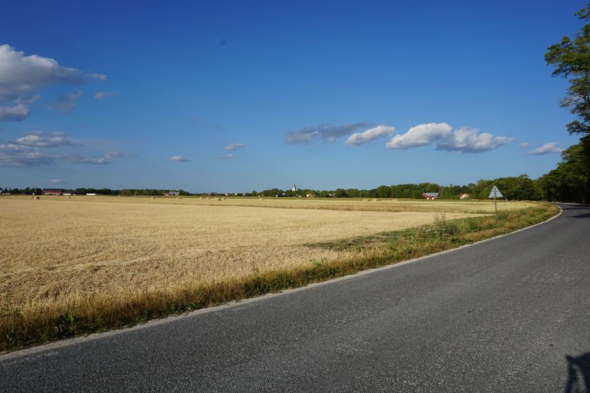 Vägen utanför vår gård i Hogrän.