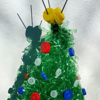Christmas tree from bottle rope