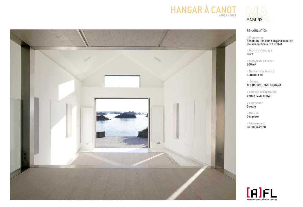 HANGAR À CANOT