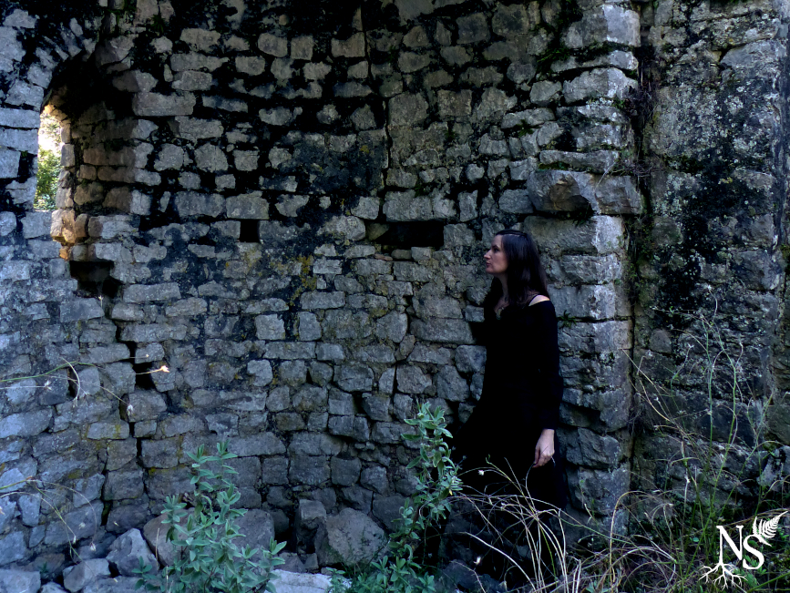 Among ruins ❉ Parmi les ruines