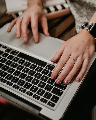 Sophie-Green-virtual-assistant-laptop.jpg