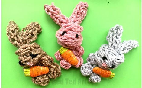 finger knit bunny.JPG