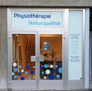 Vitrine Physiothérapie Versoix.jpg