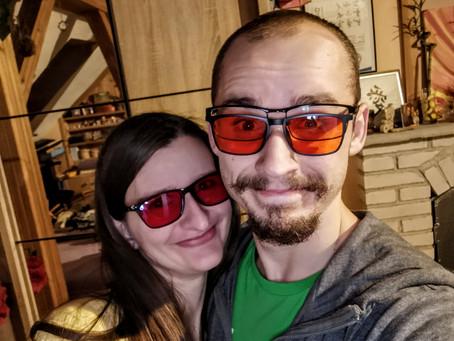 Modrá není vždy dobrá aneb proč ti blázni nosí ty červené brýle