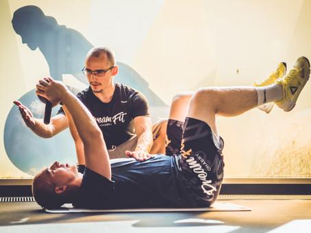 Proč cvičit s trenérem a jak vybrat toho správného?