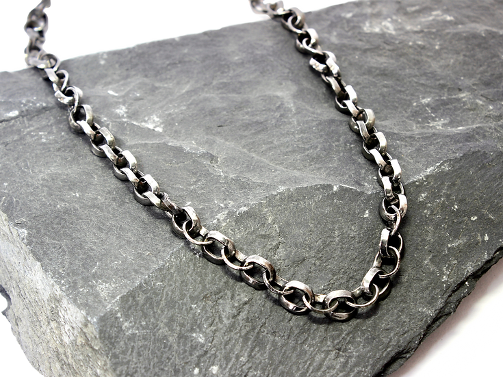 Stainless Steel Curved Chain Necklace