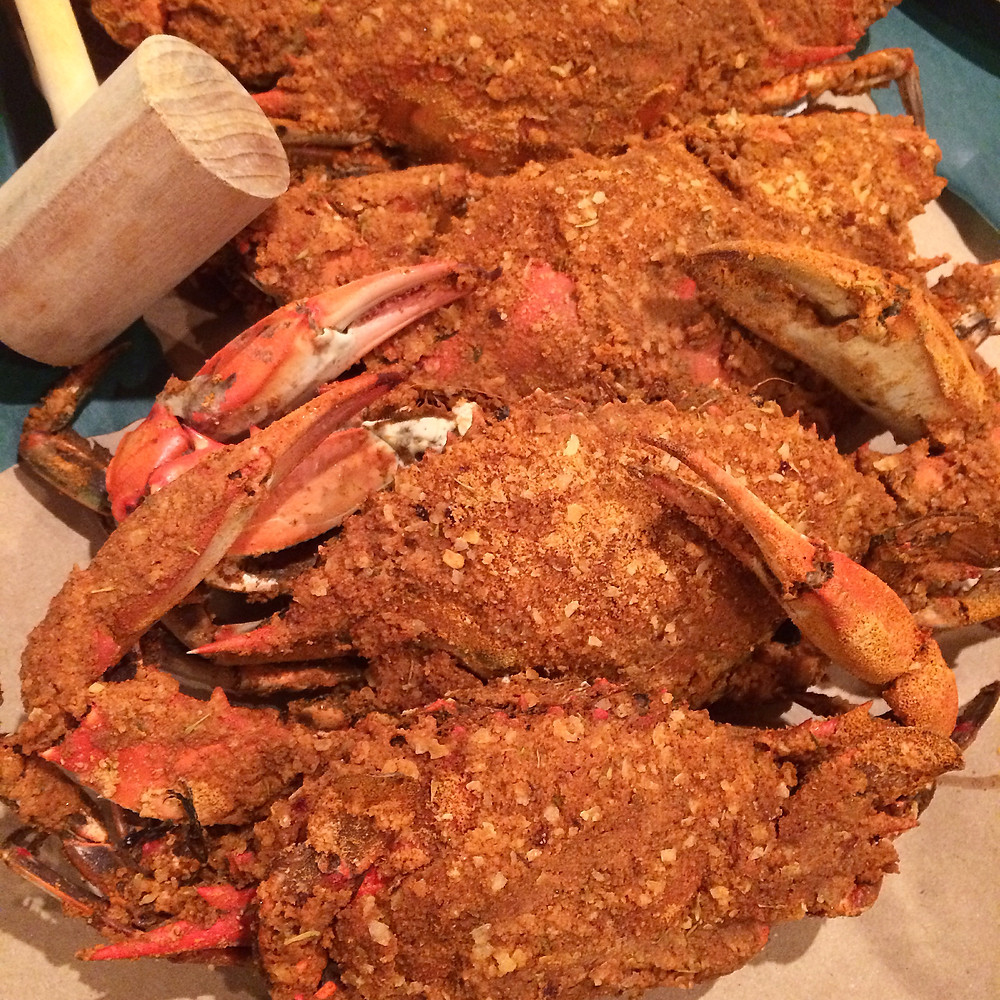 Maryland steamed crabs with seasoning