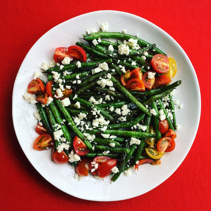 green beans with feta and tomatoes