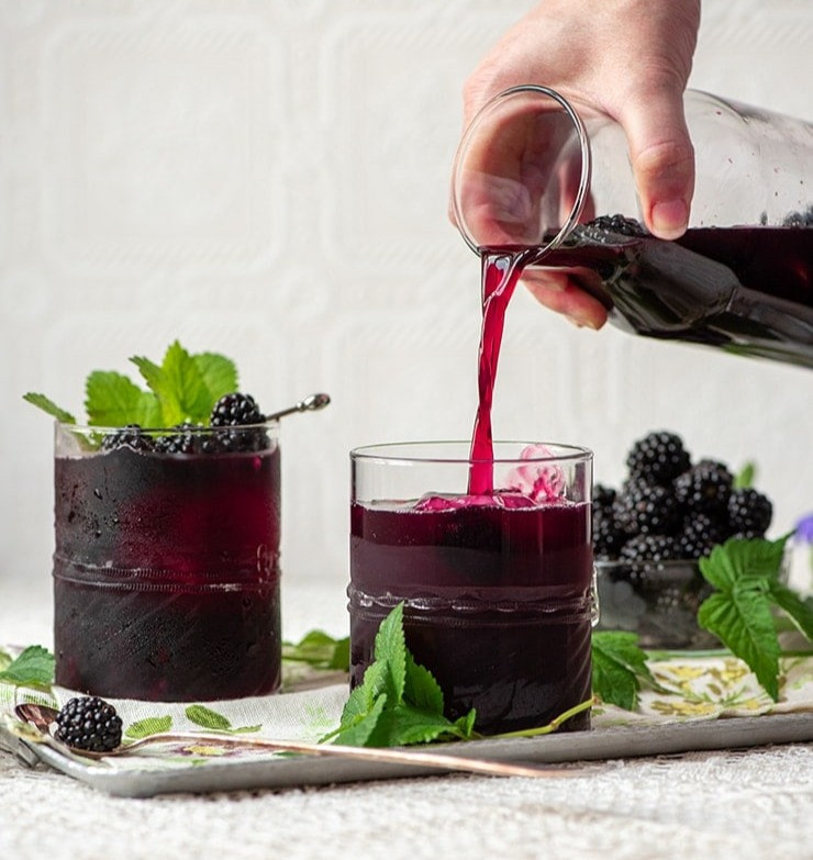 pouring sangria in glass