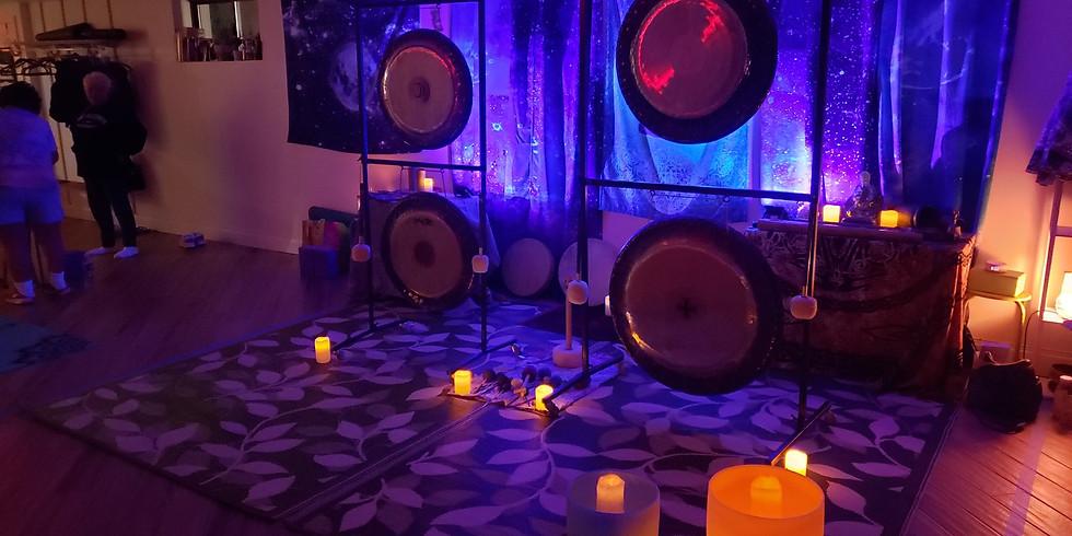 Gong & Singing Bowl Sound Bath (6)