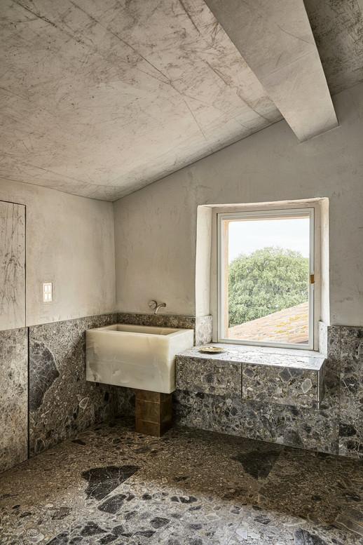 De Cotiis tuscane village