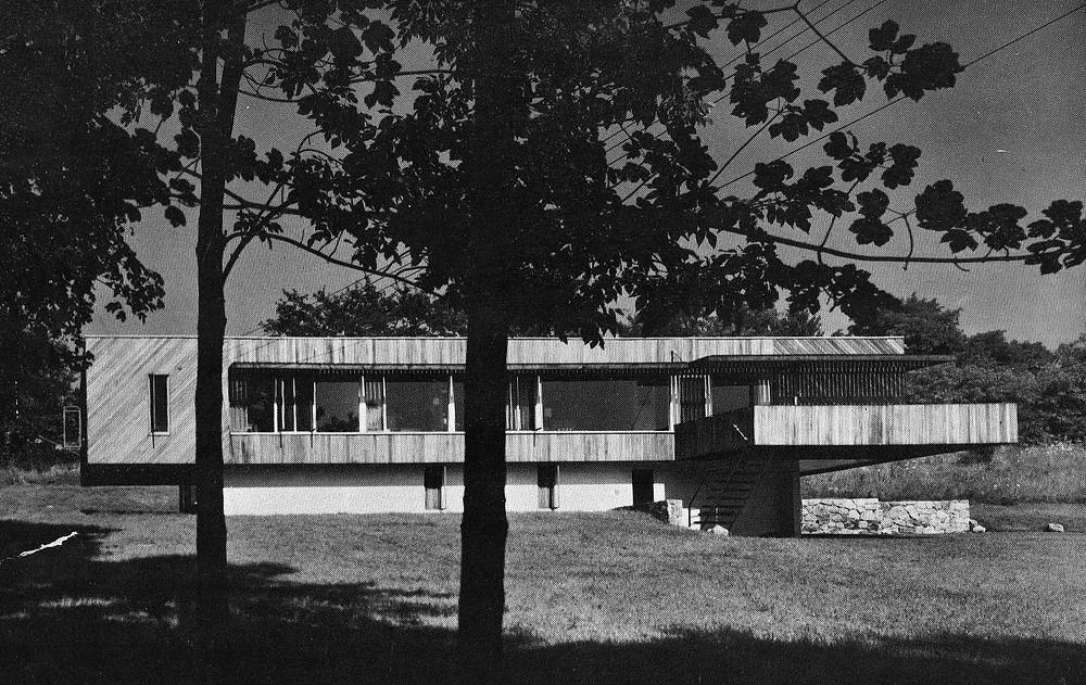 Otra de las casas diseñadas por Breuer donde recurre al voladizo de la Chamberlain