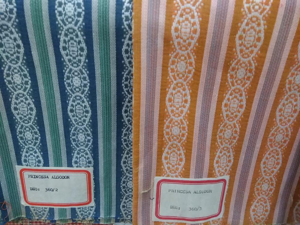 muestras de tejidos de la biblioteca textil de las fabricas textiles de manizales