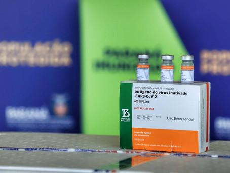 368 mil doses de vacinas contra a Covid-19 chegam ao Paraná nesta quinta à noite