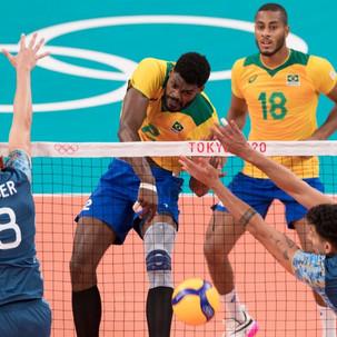 Em jogo de tirar o fôlego Seleção Masculina de Vôlei bate a Argentina nas Olimpíadas