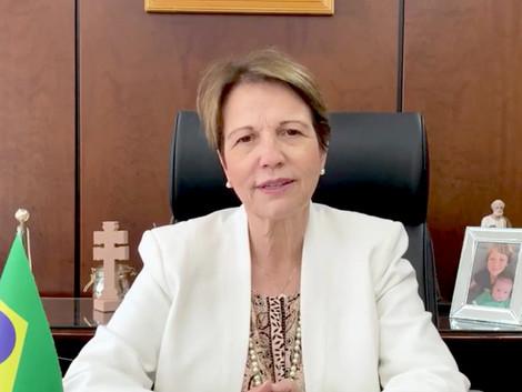 Ministra Tereza Cristina testa positivo para Covid e altera agenda de compromissos