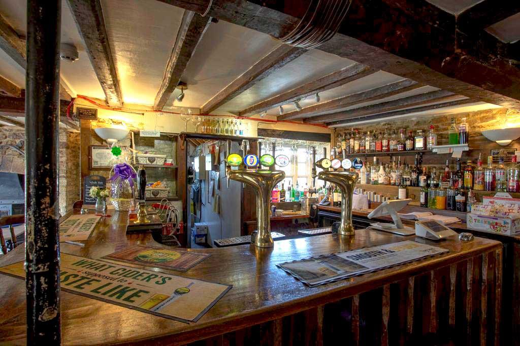 Clanfield Tavern Bar