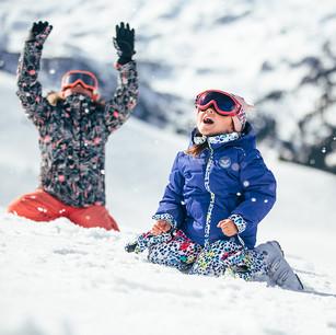 MATT-Winter-Roxy-Girls-Snow.jpg