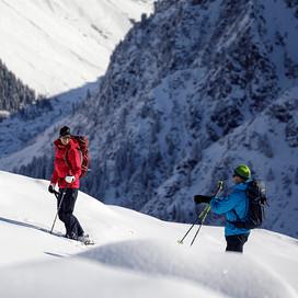 MATT-Winter-Leki-Skitouring-Couple6.jpg